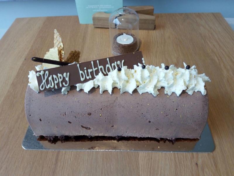 Gelato Queen - cake happy birthday